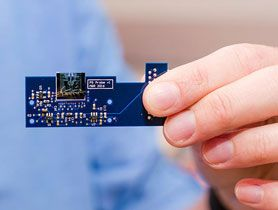 New Paradigm in Microscopy: Atomic Force Microscope on a Chip