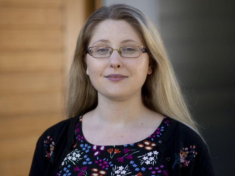 Dr Julia Cook