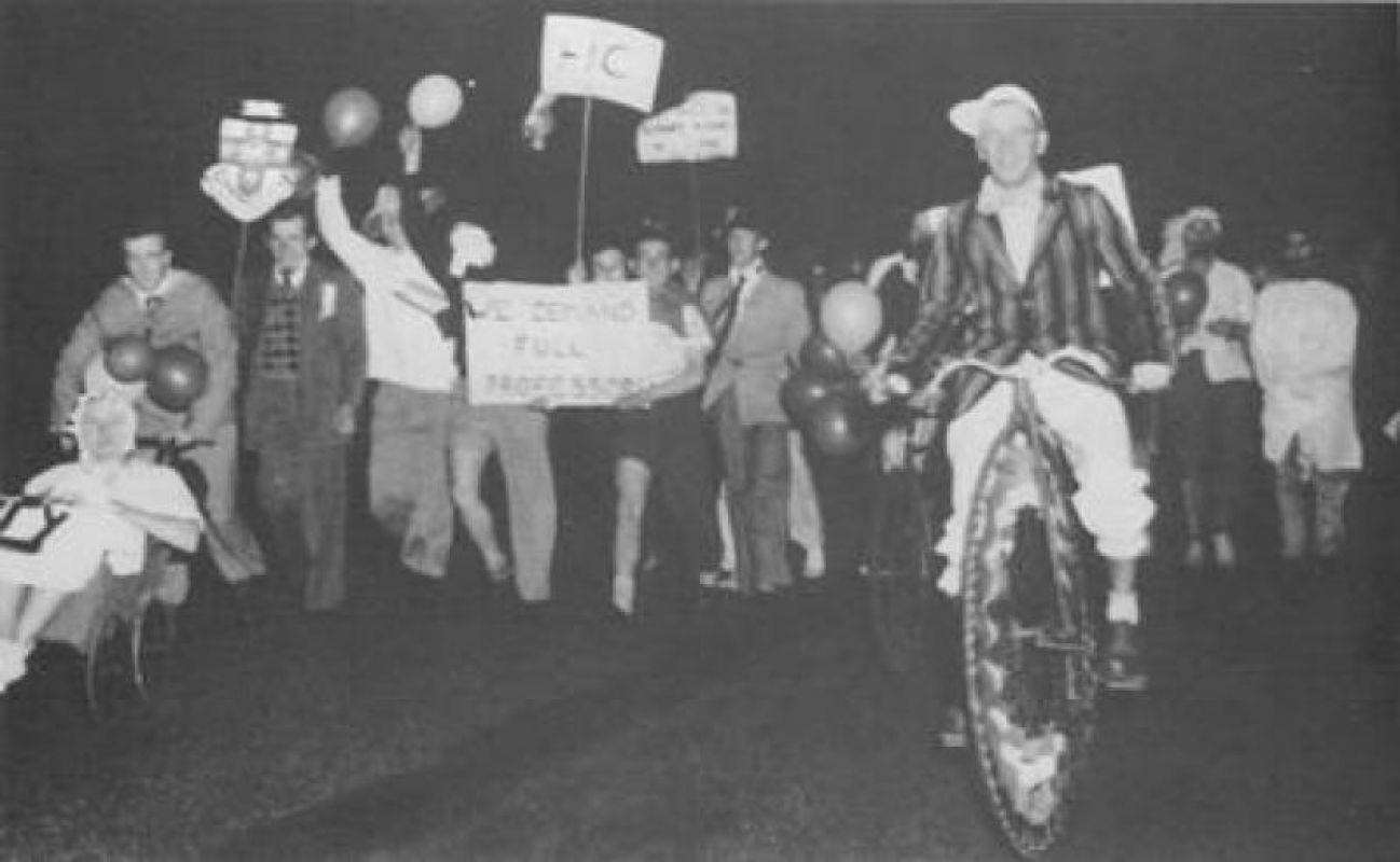 1960s_Student_protest.jpg