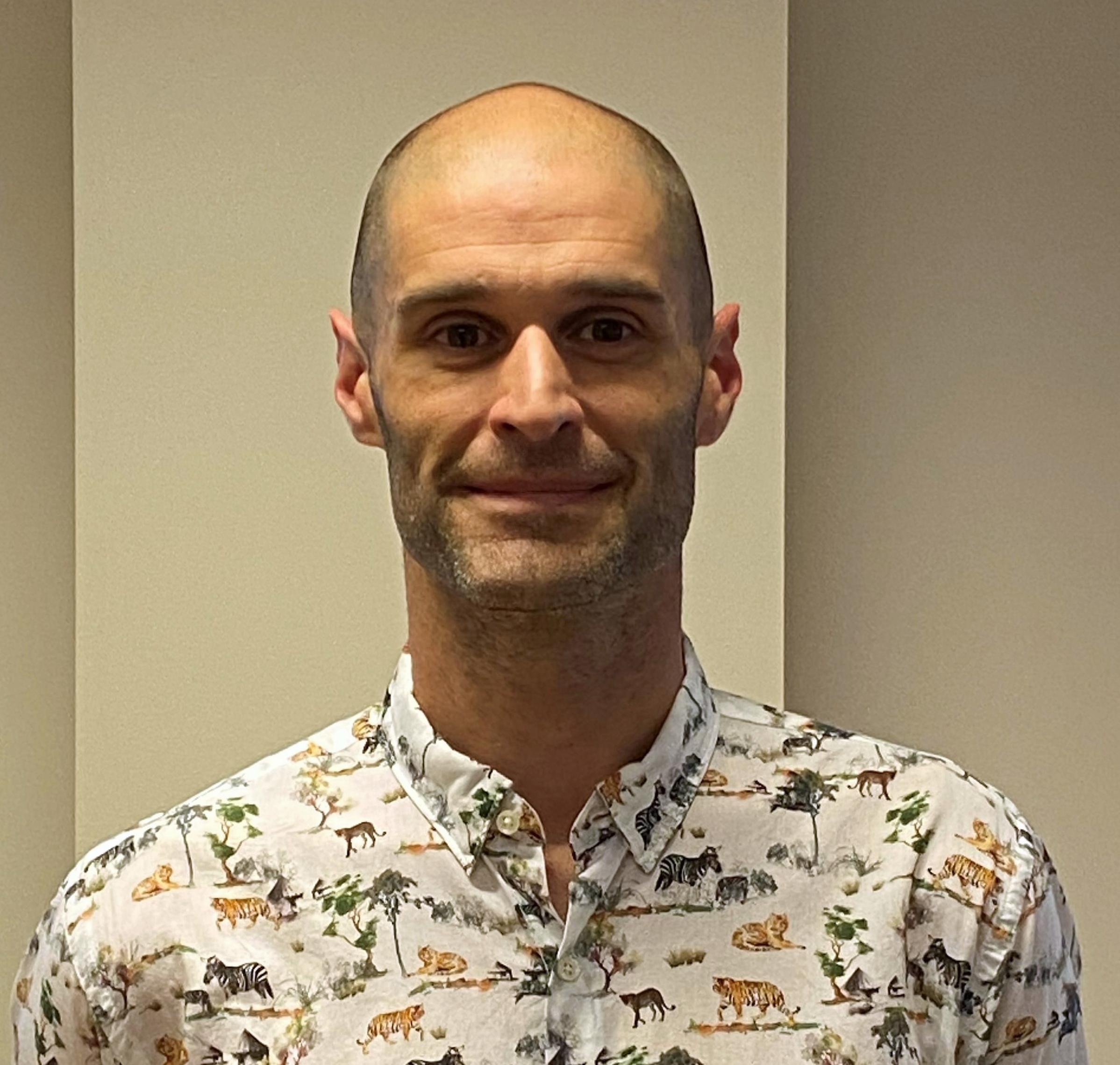 Dr Arron Veltre