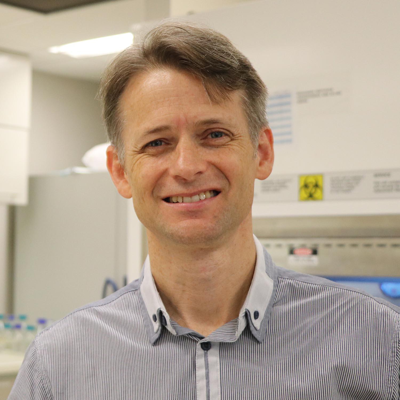 Professor Murray Cairns