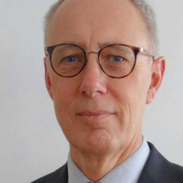 Dr Thomas Linden