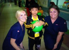 Students volunteer in Vietnam