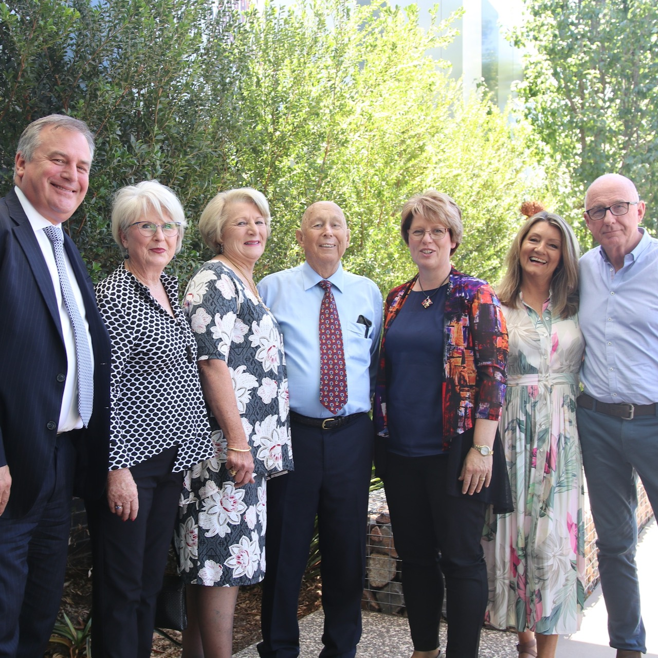 Professor Alex Zelinsky (University of Newcastle Vice-Chancellor and President), Carol Cooper (family), Lyn Morris (family), Bob Morris (family), Professor Jenny May (Director of University of Newcastle Department of Rural Health), Jenny Morris (family), and Peter Morris (family).