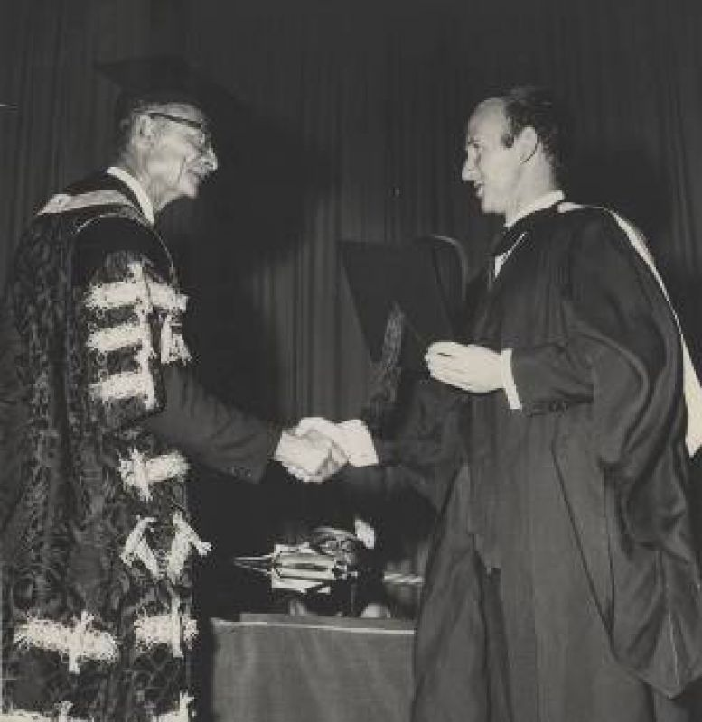 1966_First-graduation-for-autonomous-UoN.jpg