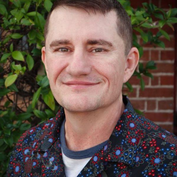 Dr Geoff MacFarlane