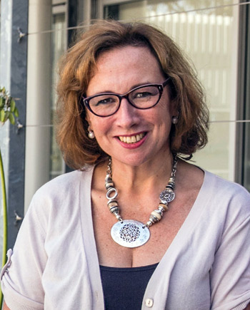 Dr Melanie James