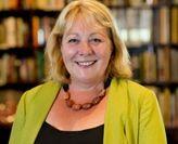 Dr Roslyn Larkin