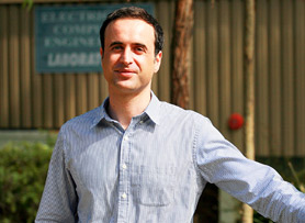 Dr George Kouretzis