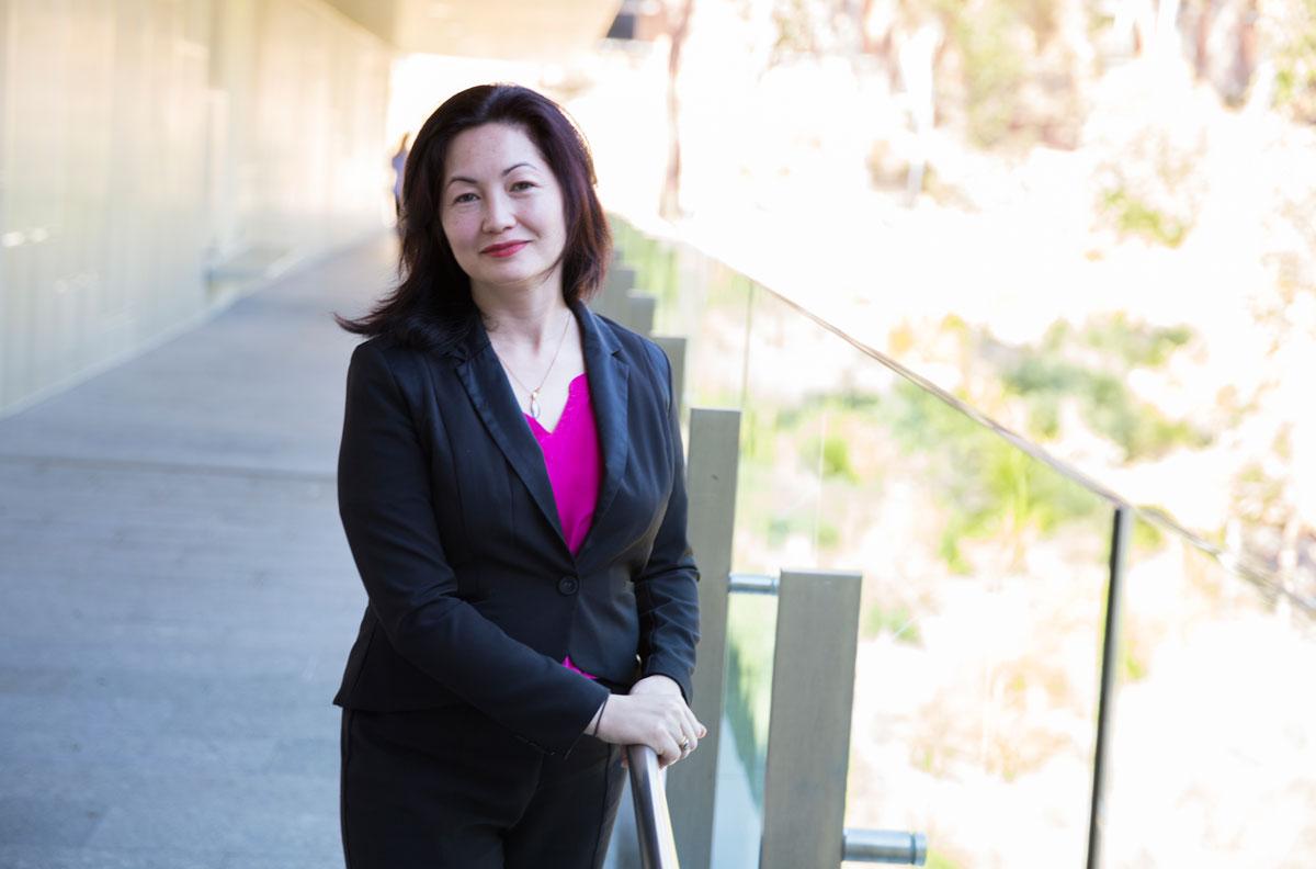Dr Mariko Carey